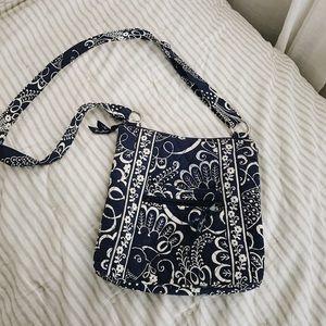 navy blue & white vera bradley shoulder bag
